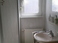 Bad und Dusch/WC in der Ferienwohnung Wyhl